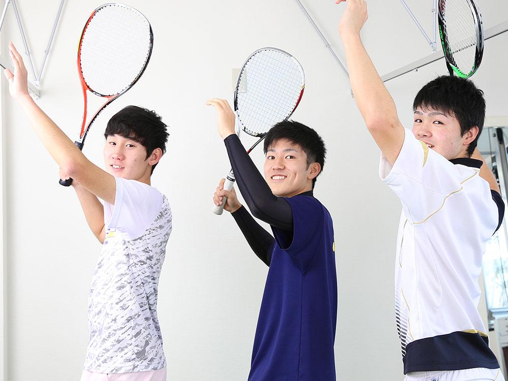テニスプレーヤーのためのジュニアアスリートプログラム